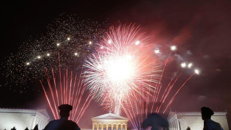Fireworks light up the sky over the Philadelphia Museum of Art during an Independence Day celebration, Wednesday, July 4, 2012, in Philadelphia. (AP Photo/Matt Rourke)